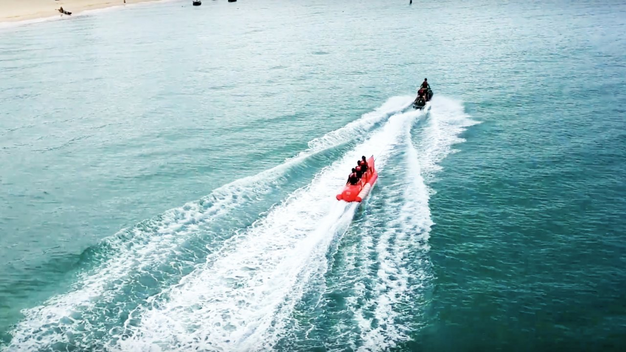 Pontoon Boats For Better Beach Trips